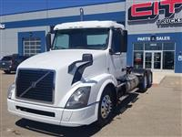 Used 2015 Volvo VNL64T300 for Sale