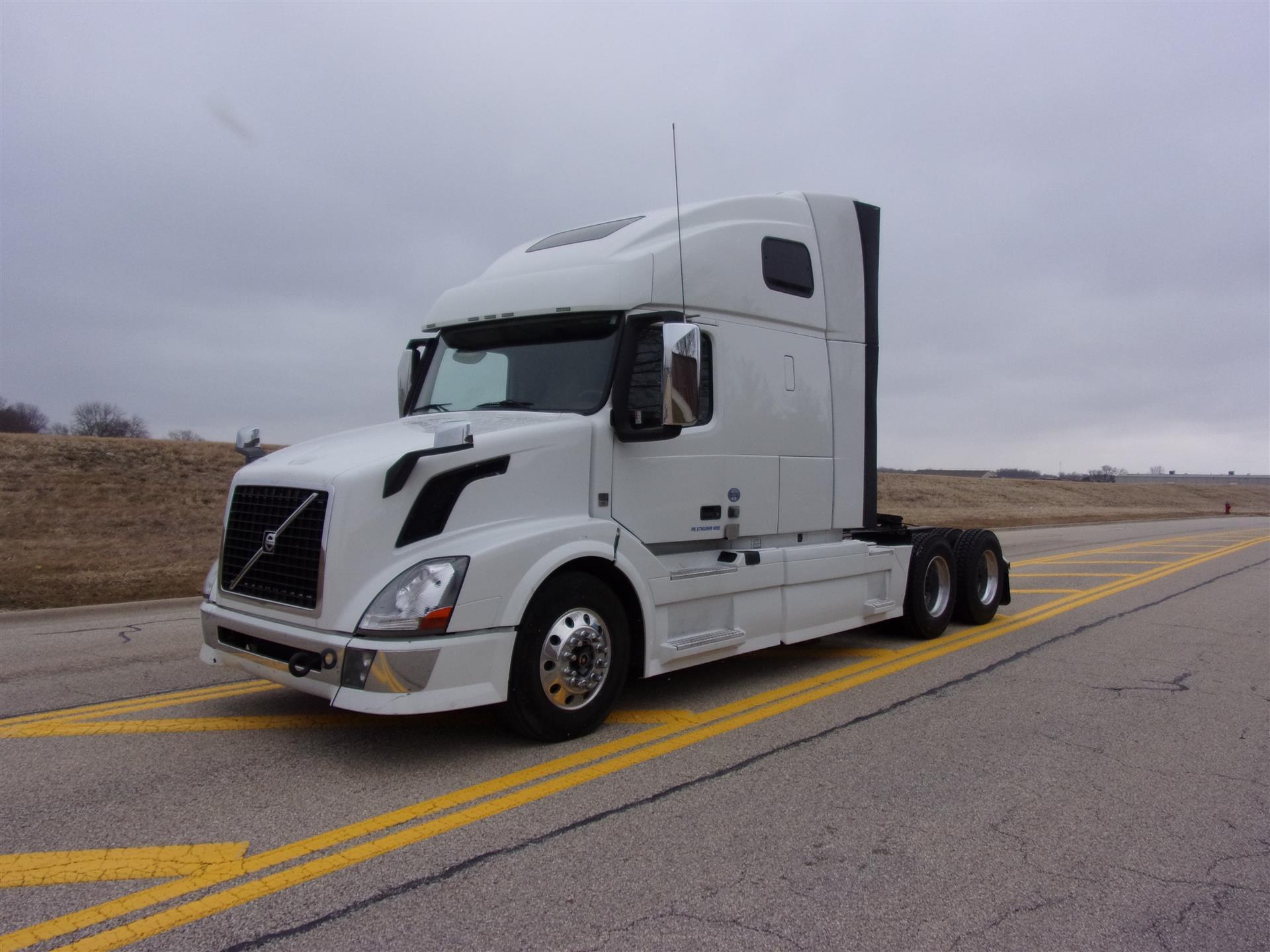 2013 Volvo VNL64T670