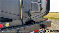 2006 Freightliner CLASSIC XL CAMION À EAU