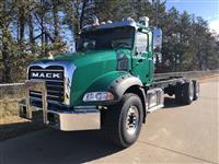 2021 Mack GR64B