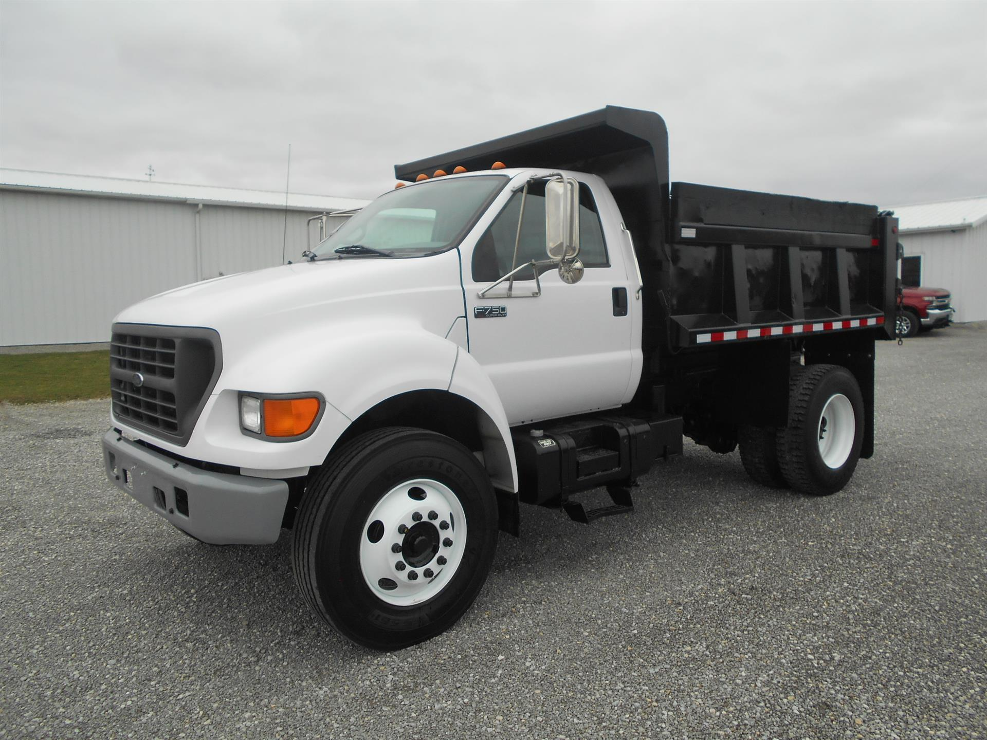2002 Ford F750