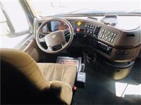 2016 Volvo VNL64T670