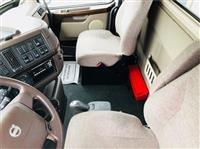 2016 Volvo VNM64T200