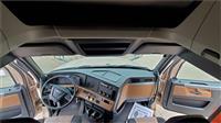 2018 Freightliner CASCADIA 126
