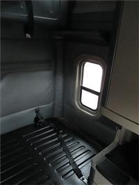 2018 Freightliner CASCADIA 125