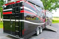 2010 TWISTER TRAILER FOUR  HORSE  W/  LIVING QUARTE