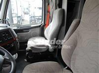 2012 Volvo VNL64T 670