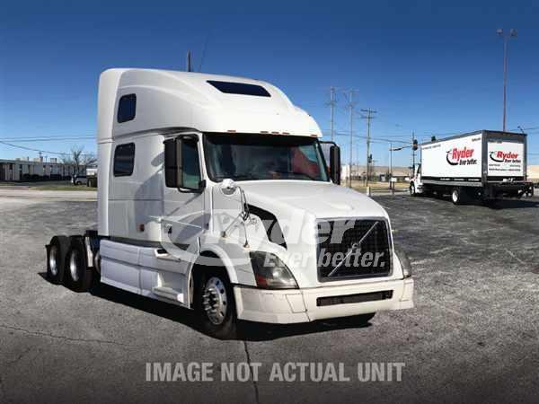 2013 Volvo VNL64T 670