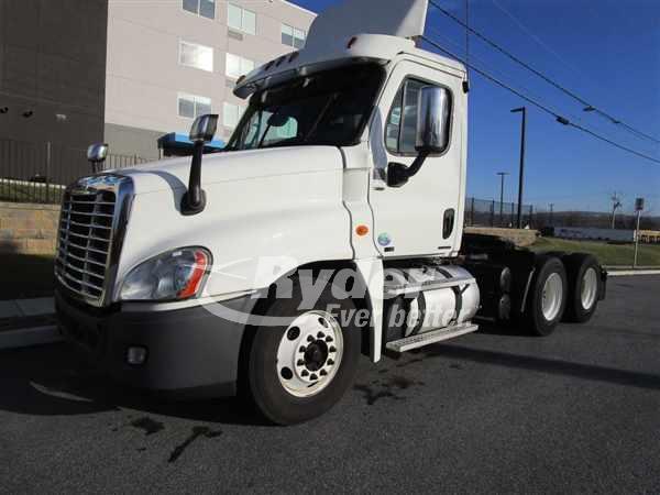Semi Trucks For Sale In Pa >> 2012 Freightliner Cascadia 125 Semi Truck Bensalem Pa