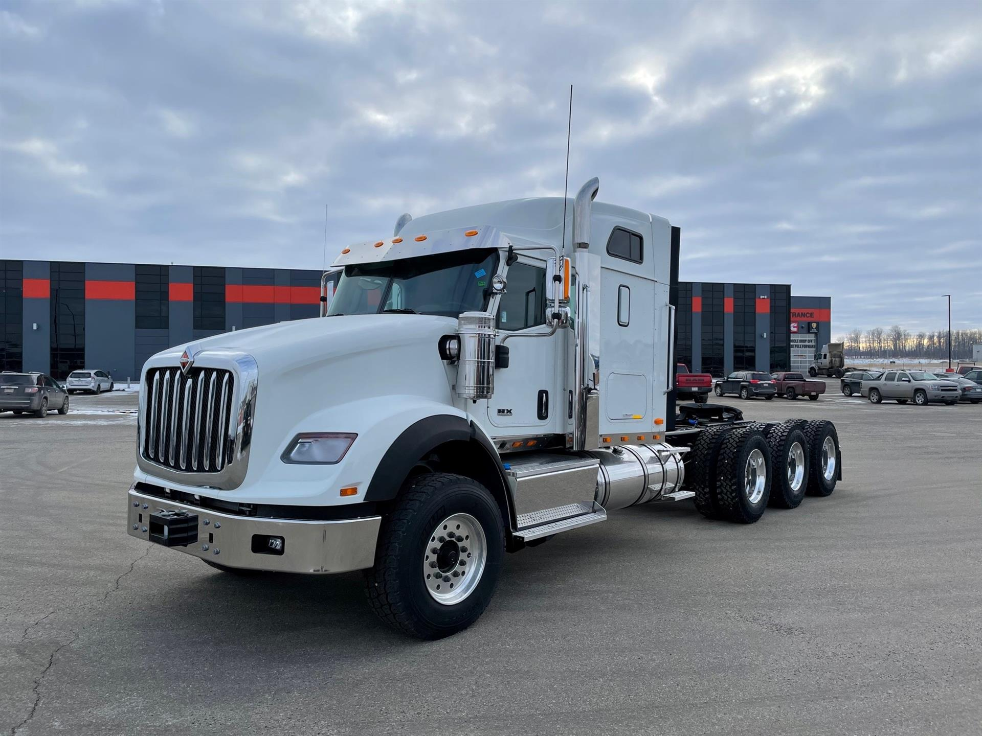 2020 International HX620 8x6