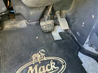 2009 Mack CH613