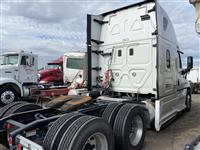 2015 Freightliner CASCADIA CA125SLP