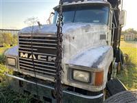 1993 Mack CH600