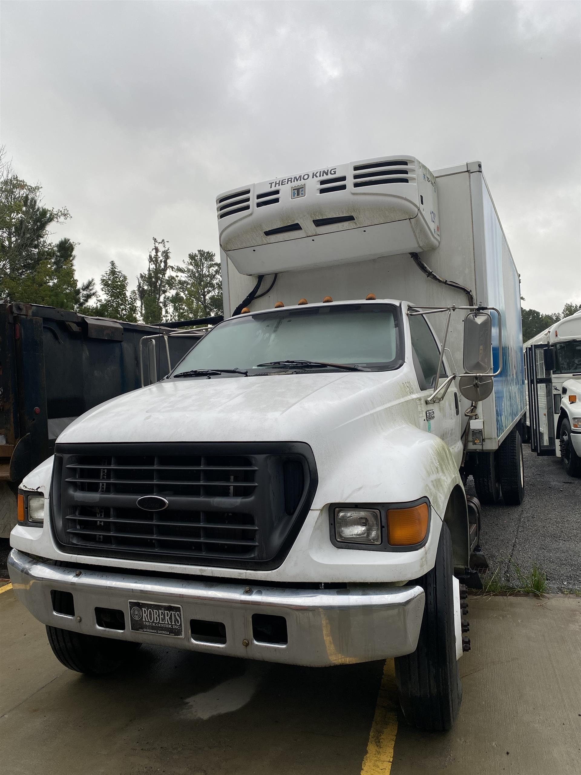 2001 Ford F750