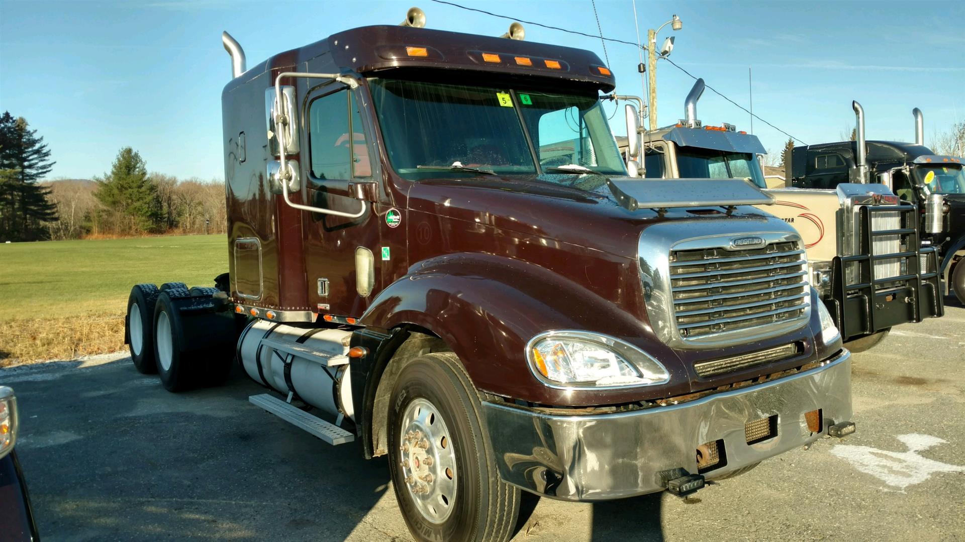 2005 Freightliner CL120064ST Daycab