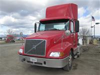 Used 2002 Volvo VNL64T300 for Sale