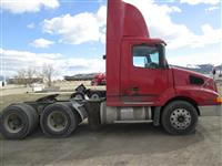 2002 Volvo VNL Day Cab