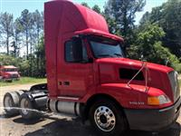 2002 Volvo VNL64T300 for Sale