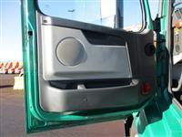 2010 Volvo VNL Day Cab
