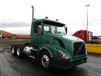 2010 Volvo VNL Day Cab