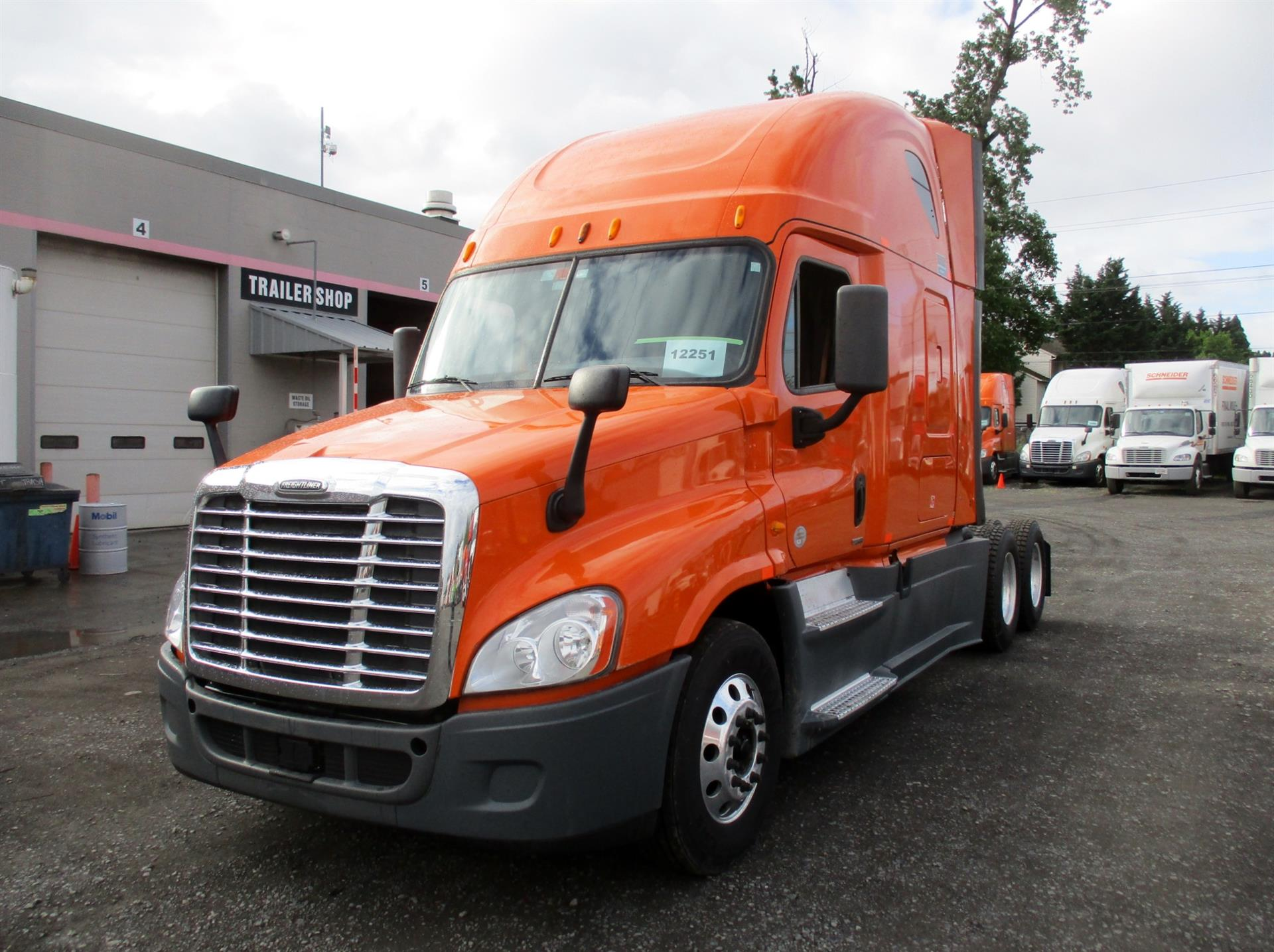 USED 2014 FREIGHTLINER CASCADIA SLEEPER TRUCK #84576