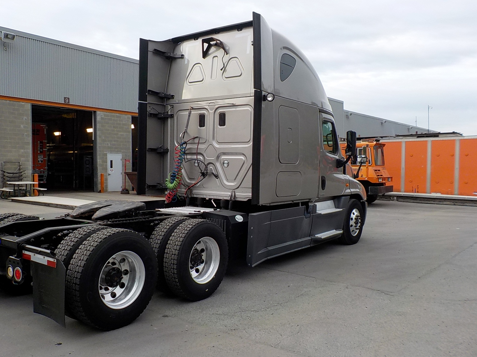 2015 Freightliner Cascadia for sale-59084826