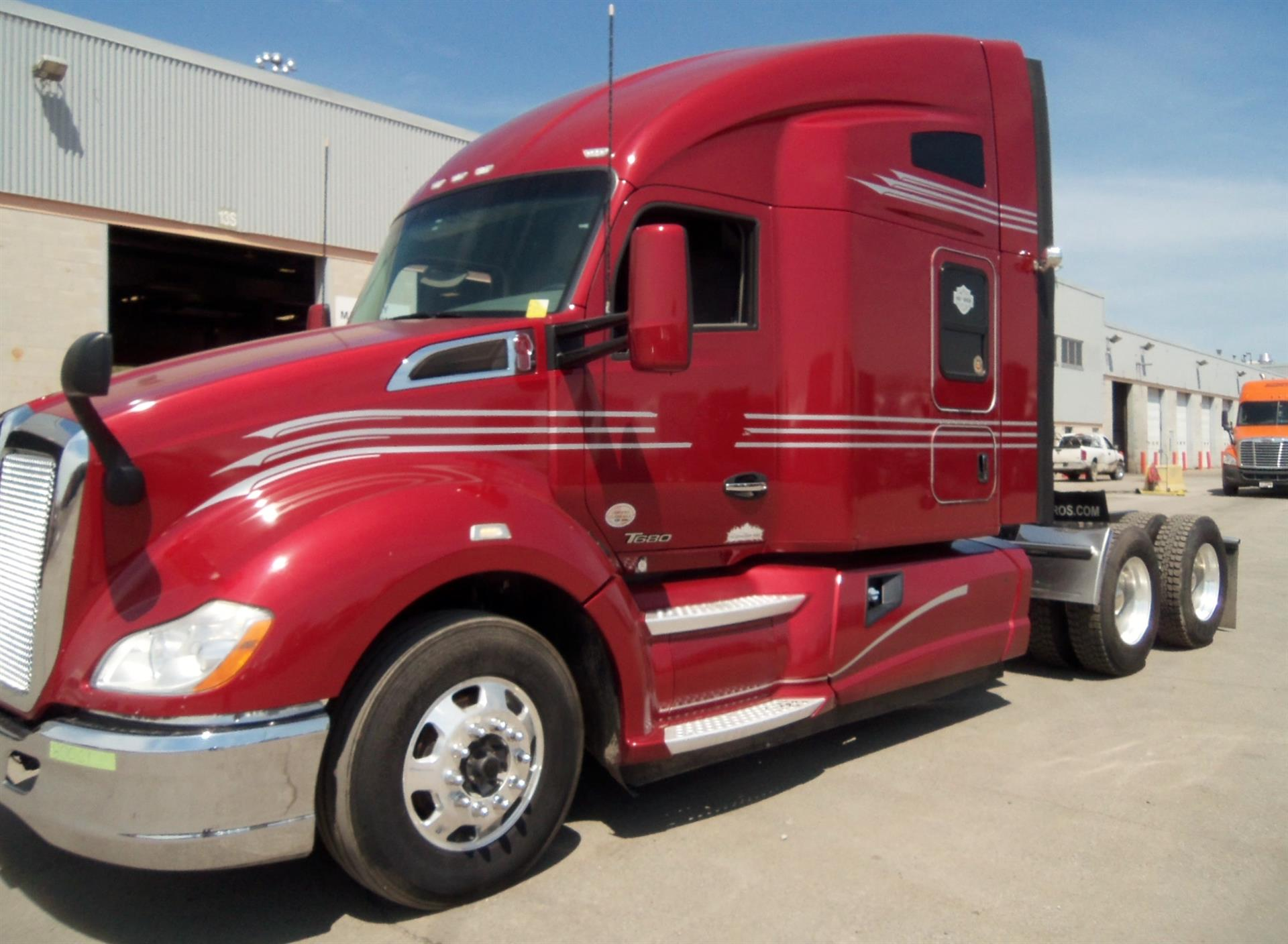 USED 2016 KENWORTH T680 SLEEPER TRUCK #123535