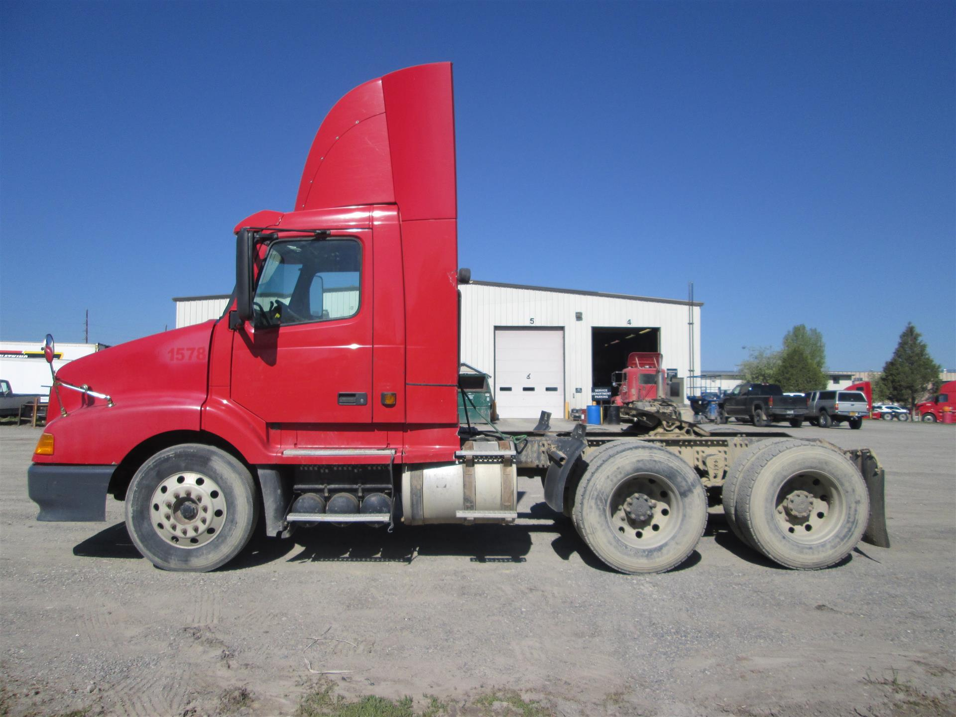 2002 Volvo VNL Day Cab for sale-59199441