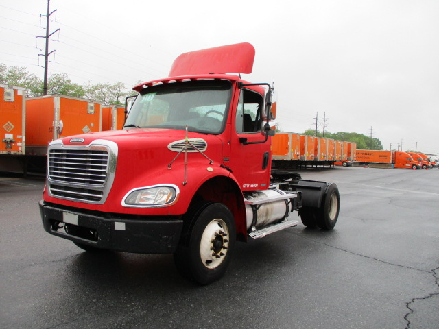 USED 2005 FREIGHTLINER M2 112 DAYCAB TRUCK #123544