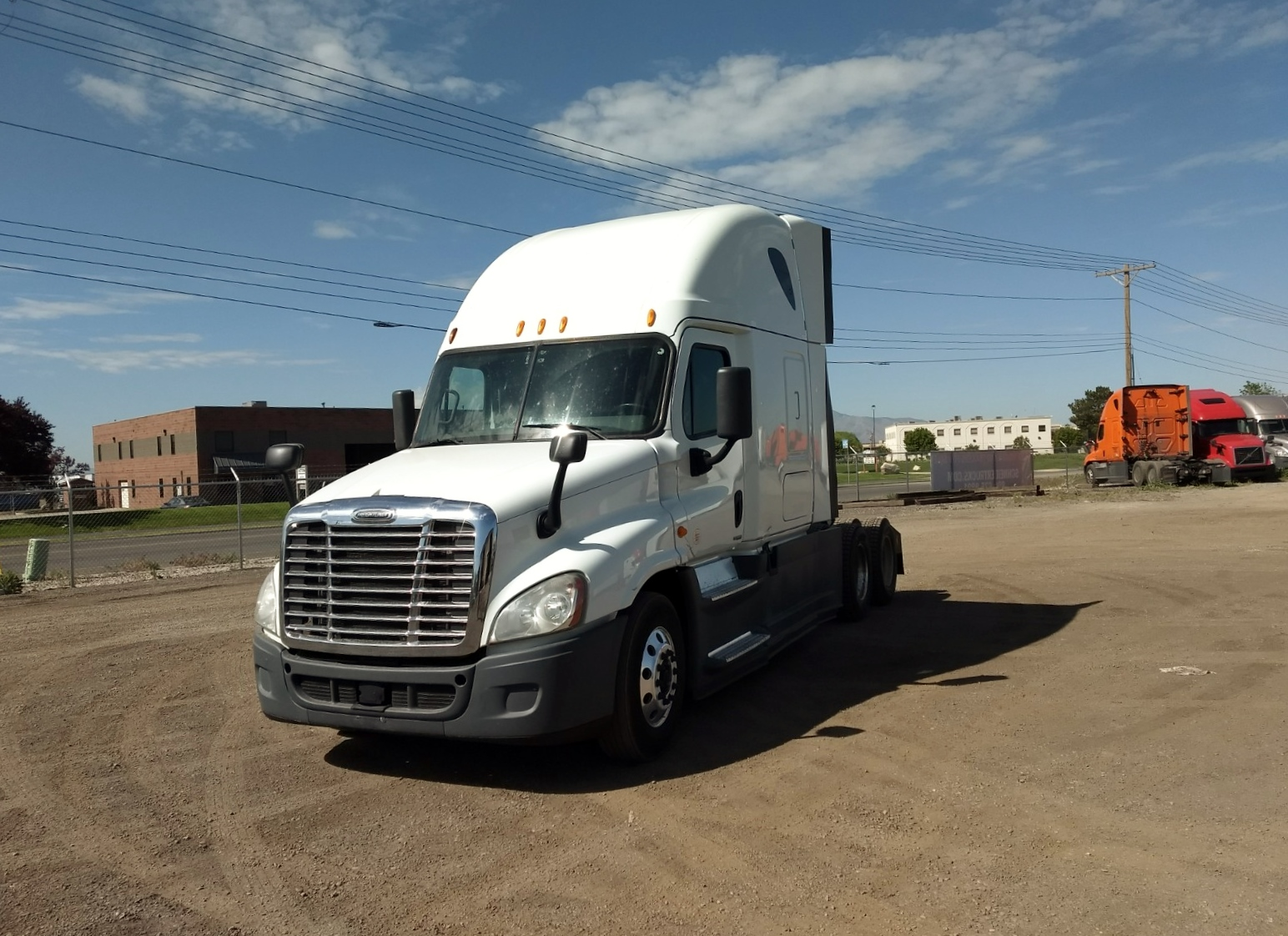 USED 2014 FREIGHTLINER CASCADIA SLEEPER TRUCK #123580