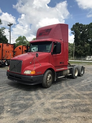 2002 Volvo VNL64T300 for sale-59108385