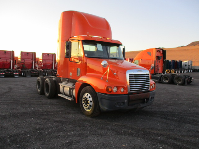 USED 2011 FREIGHTLINER C120 DAYCAB TRUCK #125682
