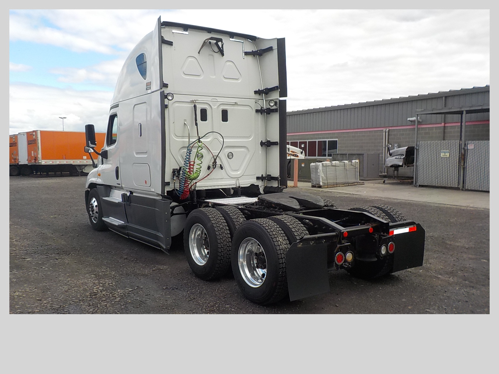 2014 Freightliner Cascadia for sale-59108416