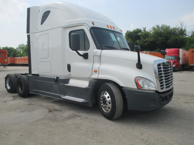 USED 2014 FREIGHTLINER CASCADIA DAYCAB TRUCK #126565
