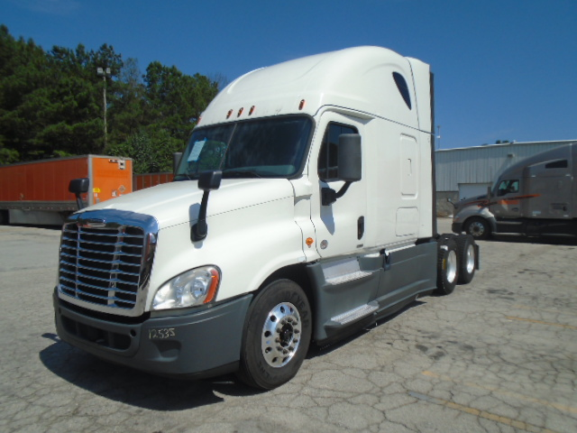 USED 2014 FREIGHTLINER CASCADIA DAYCAB TRUCK #126556
