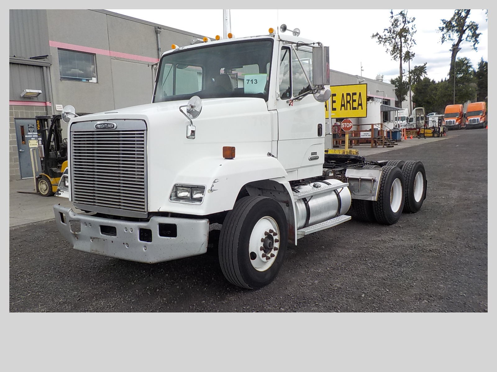 USED 2000 FREIGHTLINER FLC11264ST DAYCAB TRUCK #126595