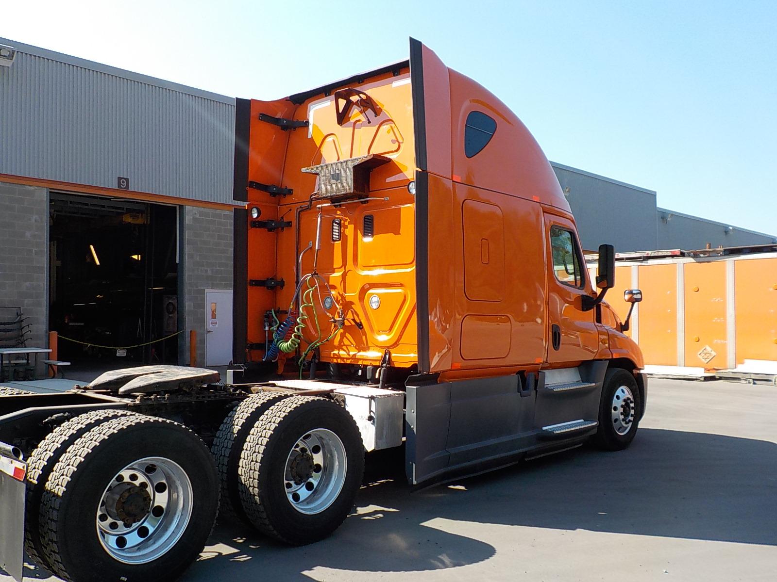 2014 Freightliner Cascadia for sale-59084870