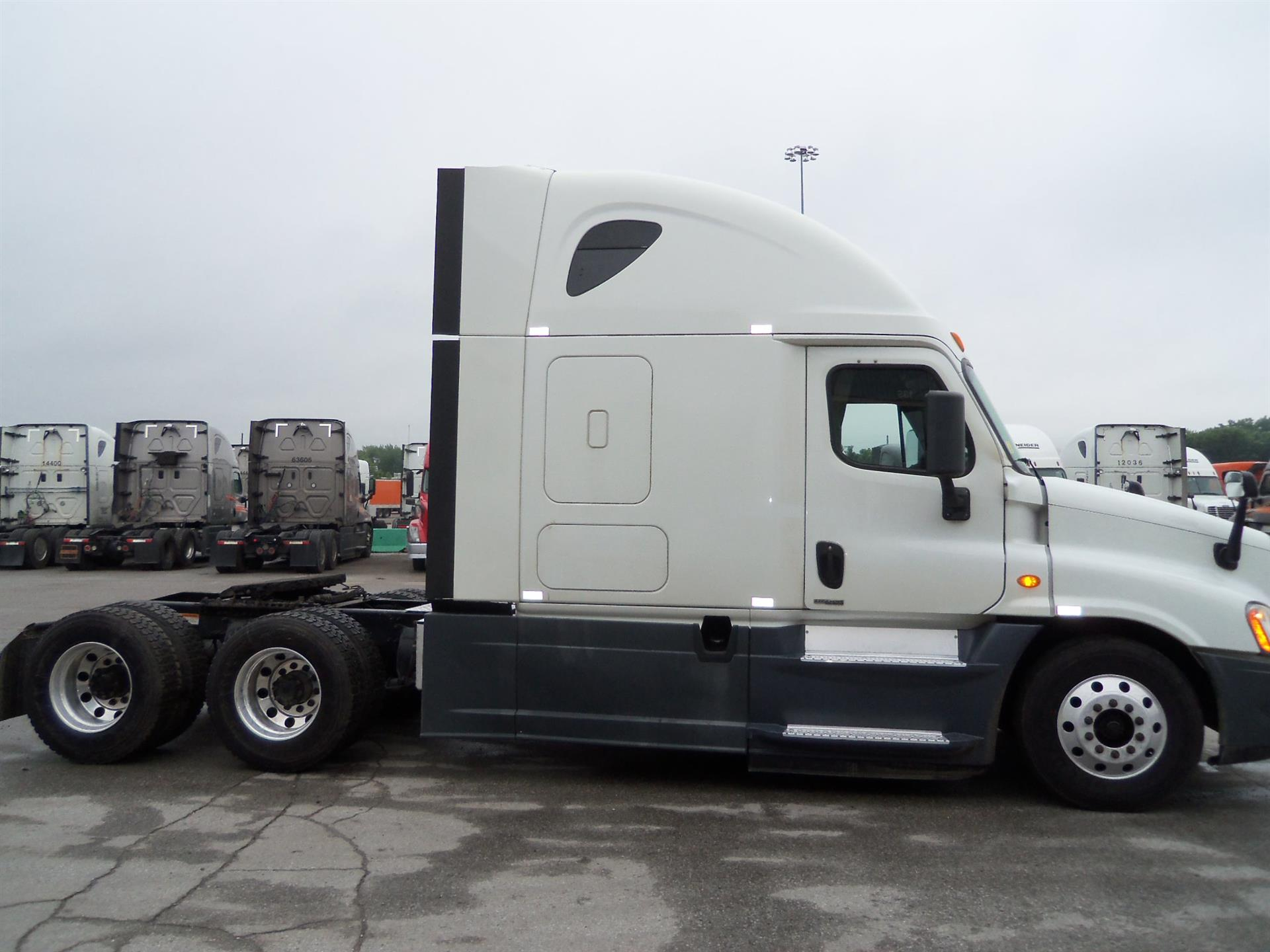 2014 Freightliner Cascadia for sale-59274445