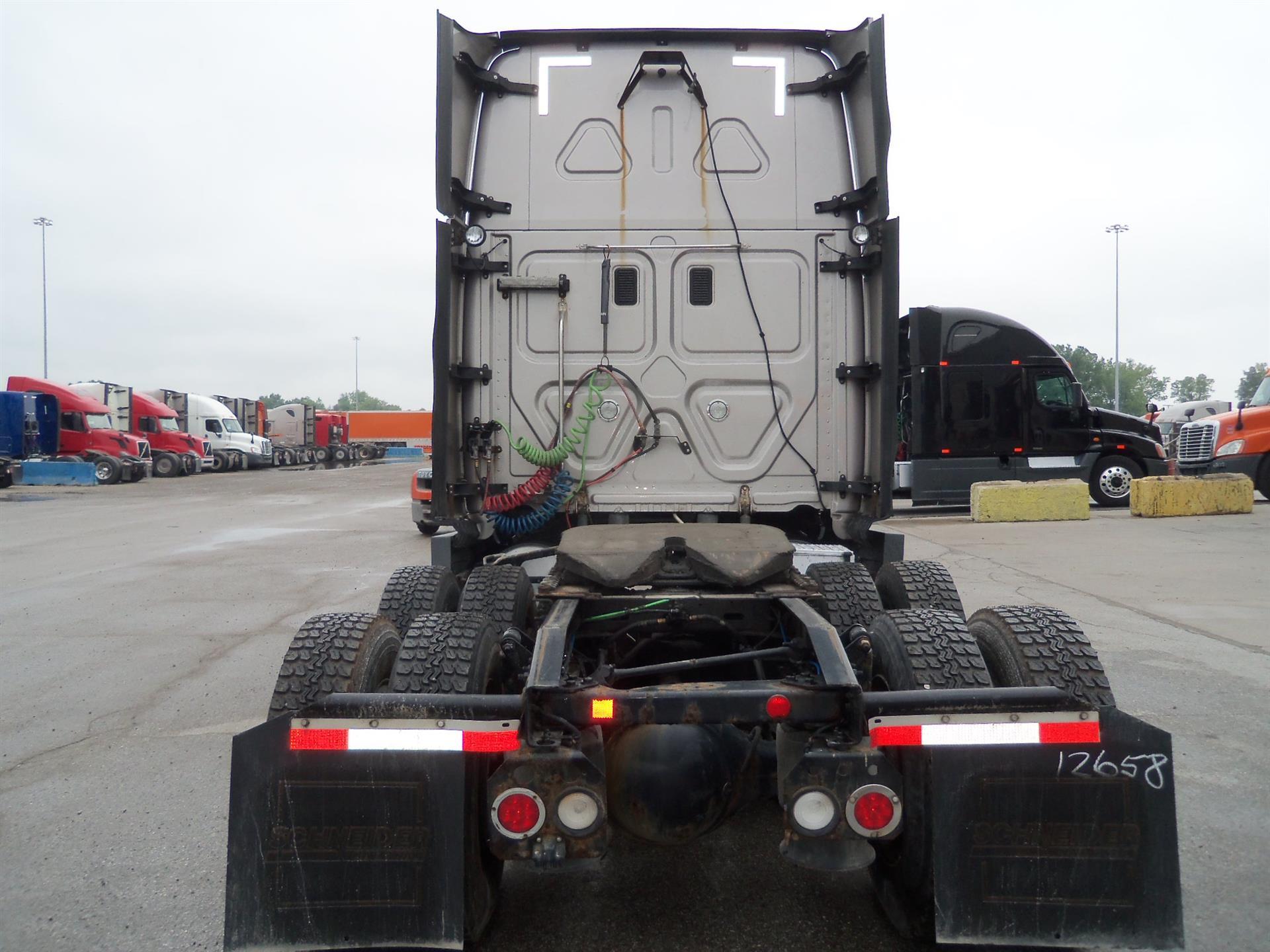 2014 Freightliner Cascadia for sale-59084875