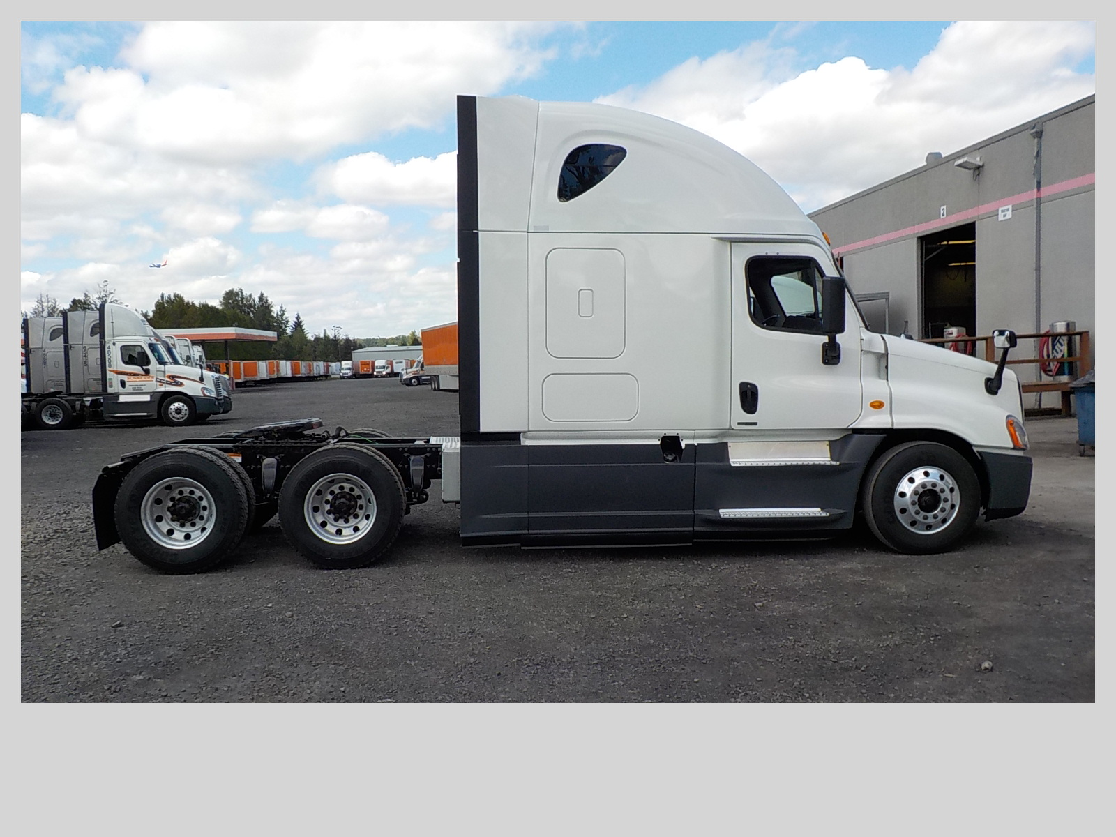 2015 Freightliner Cascadia for sale-59218443
