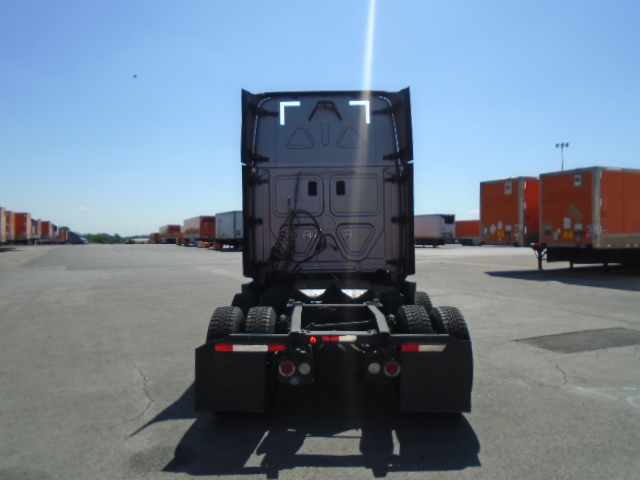2015 Freightliner Cascadia for sale-59084885
