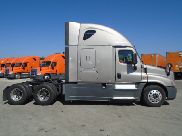 2015 Freightliner Cascadia for sale-59196952