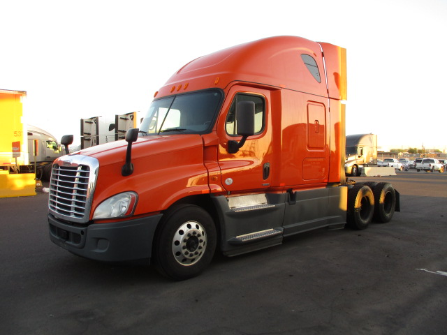 USED 2014 FREIGHTLINER CASCADIA SLEEPER TRUCK #127492