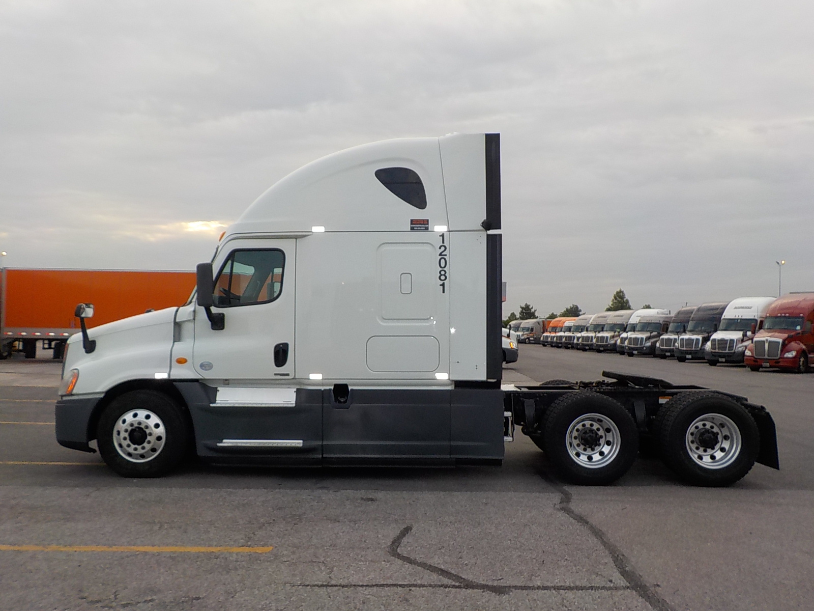 2014 Freightliner Cascadia for sale-59067578