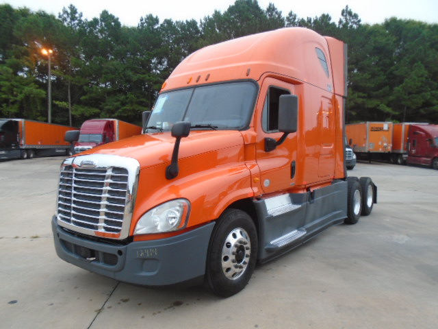 USED 2014 FREIGHTLINER CASCADIA SLEEPER TRUCK #80598