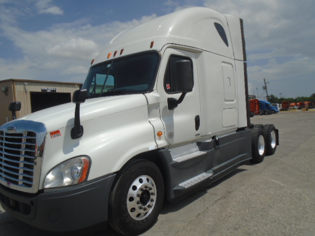 USED 2014 FREIGHTLINER CASCADIA SLEEPER TRUCK #128202