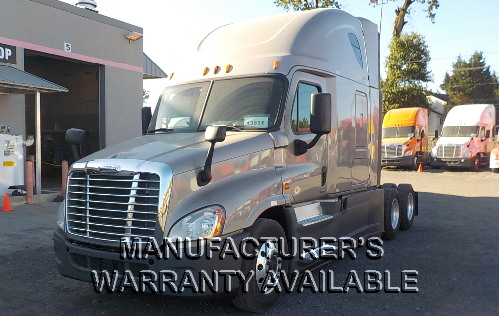 USED 2015 FREIGHTLINER CASCADIA SLEEPER TRUCK #128211