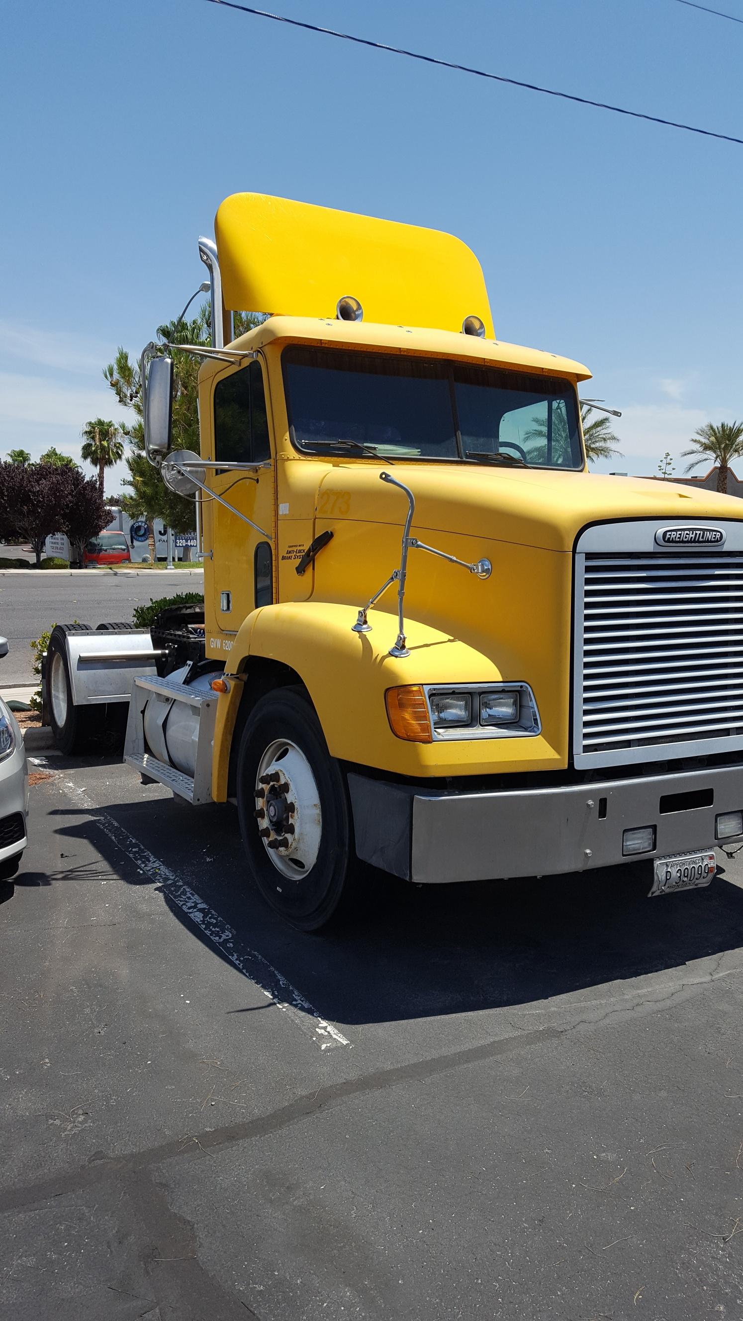 2000 Freightliner FLD11242ST for sale-59087694