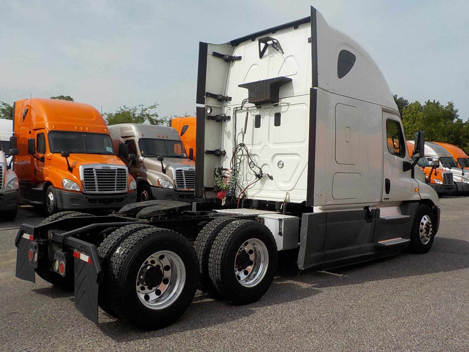 2014 Freightliner Cascadia for sale-59263576