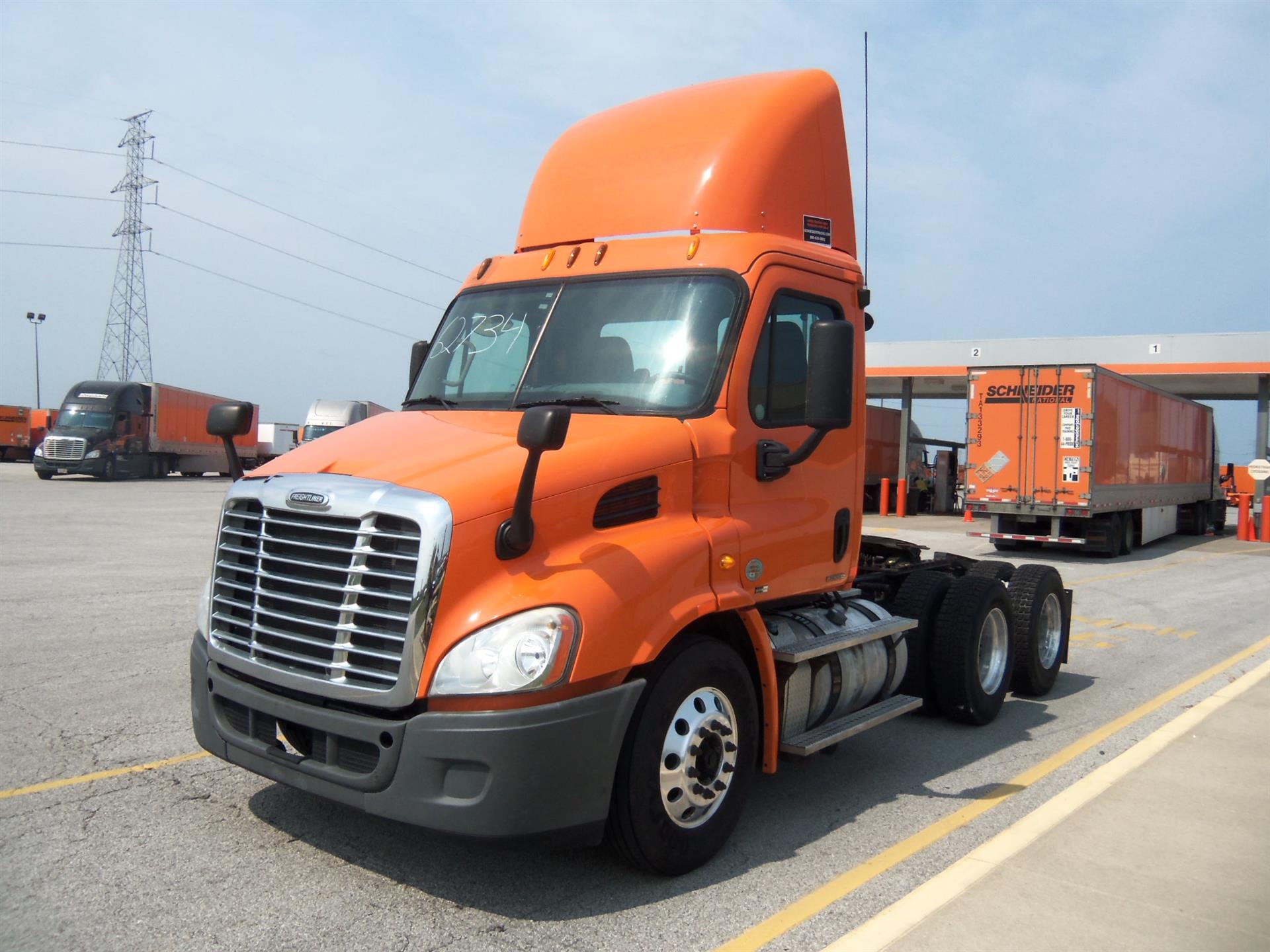 USED 2011 FREIGHTLINER CASCADIA DAYCAB TRUCK #75380